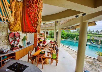 dining-area-pool