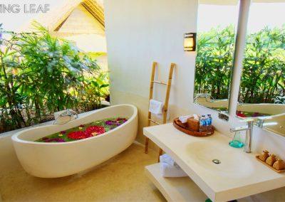 luxury-Hotel-bathroom